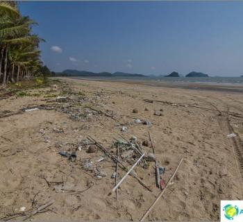 arunothai-beach-chumphon-arunothai-beach