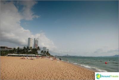 beach-ambassador-hotel-ambassador-beach-without-shade-and-crowded