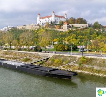 bratislava-castle-main-dostoprimechatelnosti-bratislava