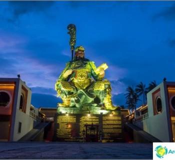 the-guan-yu-shrine-koh-samui-place-where-generations-communicate