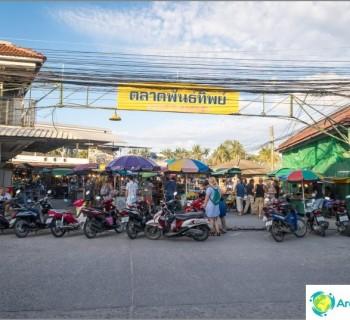 pantip-market-koh-phangan-cheap-food-and-place-meet