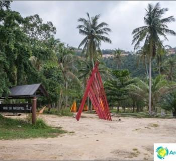 the-wang-sai-waterfall-koh-phangan-and-dull-amusement-park