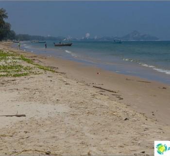 temple-mount-khao-tao-and-best-beach-hua-hin-sai-noi
