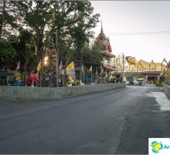 temple-reclining-buddha-phuket-wat-sri-sunthon